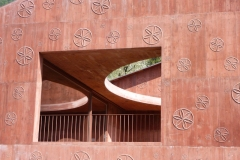 Scharans, casa-atelier Bardill, opera arch. Valerio Olgiati (2007)